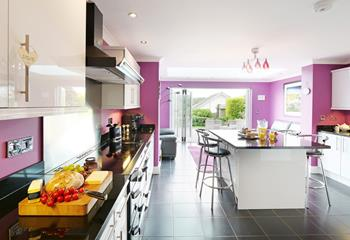 The Grange, Sleeps 8 + cot, Bude.