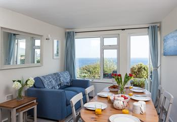 Gull Cottage, Sleeps 4 + cot, Marazion.