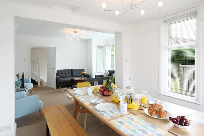 Fabulous open plan sitting room and dining area which is ideal for family or friendship groups to enjoy a good feast