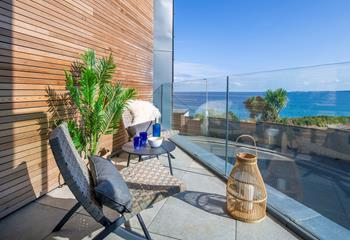 6 Island Reach, Sleeps 6 + cot, Newquay.