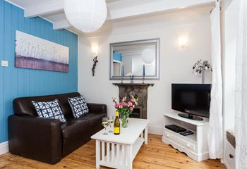 Snuggle up in the cosy sitting room and enjoy a glass of wine.