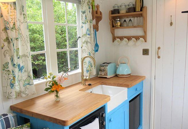 Lovely little well equipped kitchen.