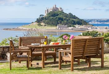 Old Eastcliffe House, Sleeps 12 + 3 cots, Marazion.