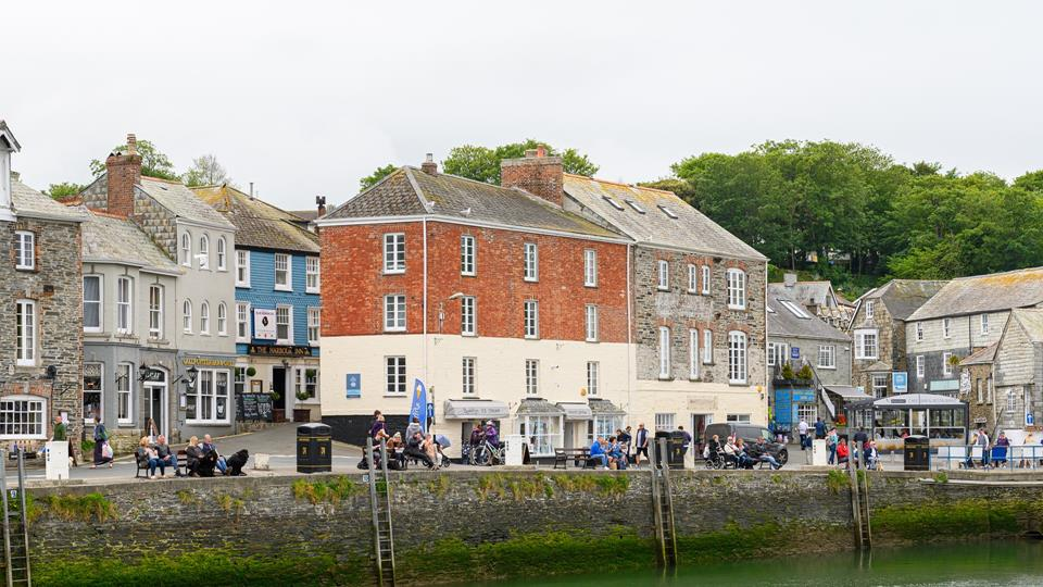 Why not indulge in a leisurely stroll around the harbour, take in the sights and sounds and explore all it has to offer?