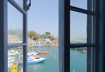 Apartment 2, The Strand, Sleeps 5 + cot, Padstow.