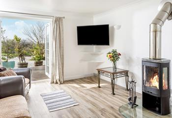 Seascape, Poundstock, Sleeps 6 + cot, Bude.