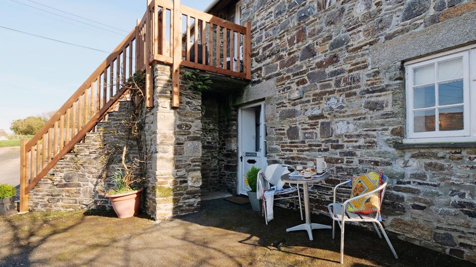 Enjoy the courtyard in the sunshine and have a cream tea in the afternoon.