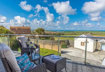 Seascape House, Sleeps 8 + 2 cots, Bude.