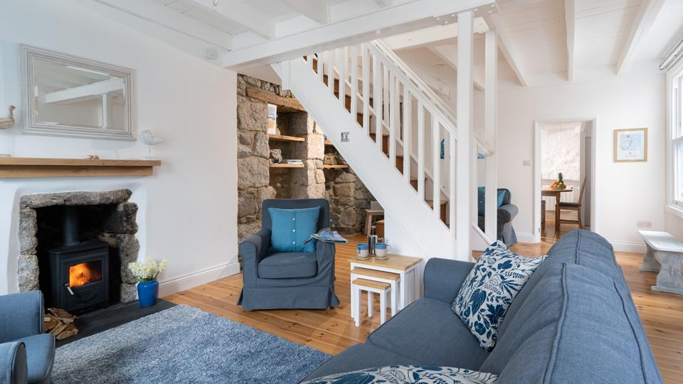 Saltings is a beautifully refurbished traditional Cornish cottage set in the heart of Mousehole, just a short stroll to the harbour.