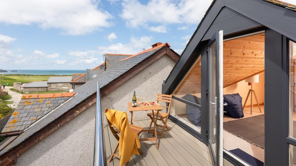 A short stroll from the beach, Sea Glass is in a fabulous location to enjoy everything Newquay and the surrounding area has to offer.