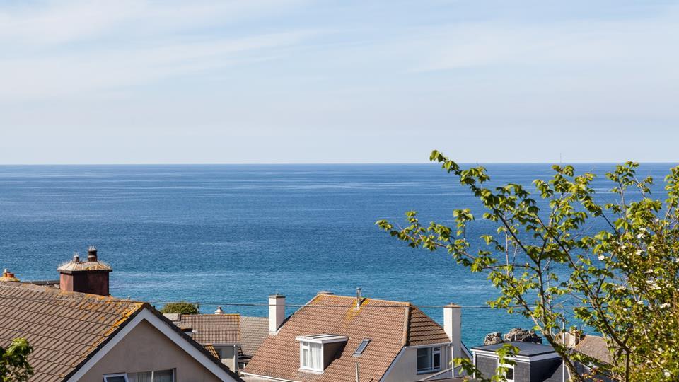 Teylu is only a five-minute walk from the popular Porthmeor beach.