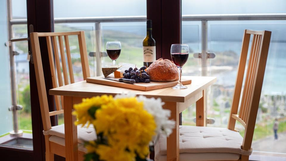 Every meal becomes a magical occasion with views like these to enjoy!