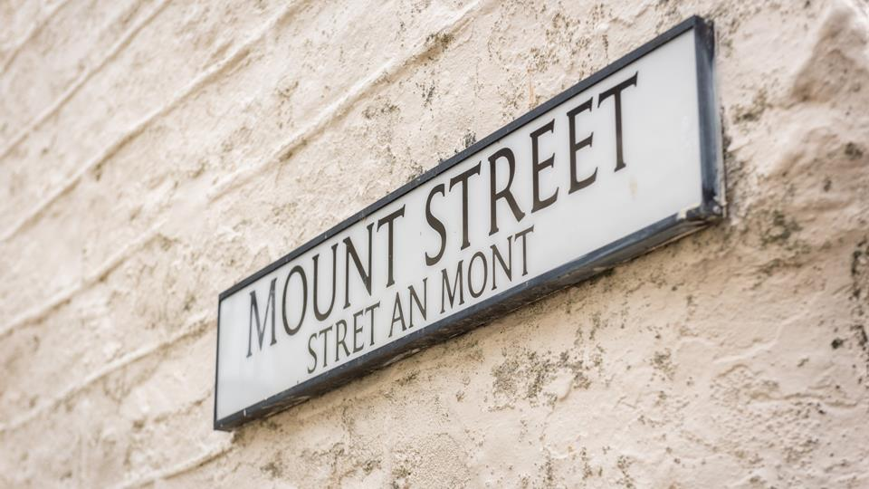 Follow the quaint Mount Street until you reach Shilly Billy.