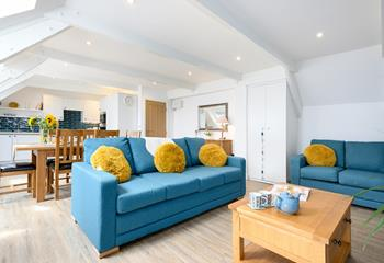 Robin's Nest, Sleeps 9 + cot, St Ives Town.