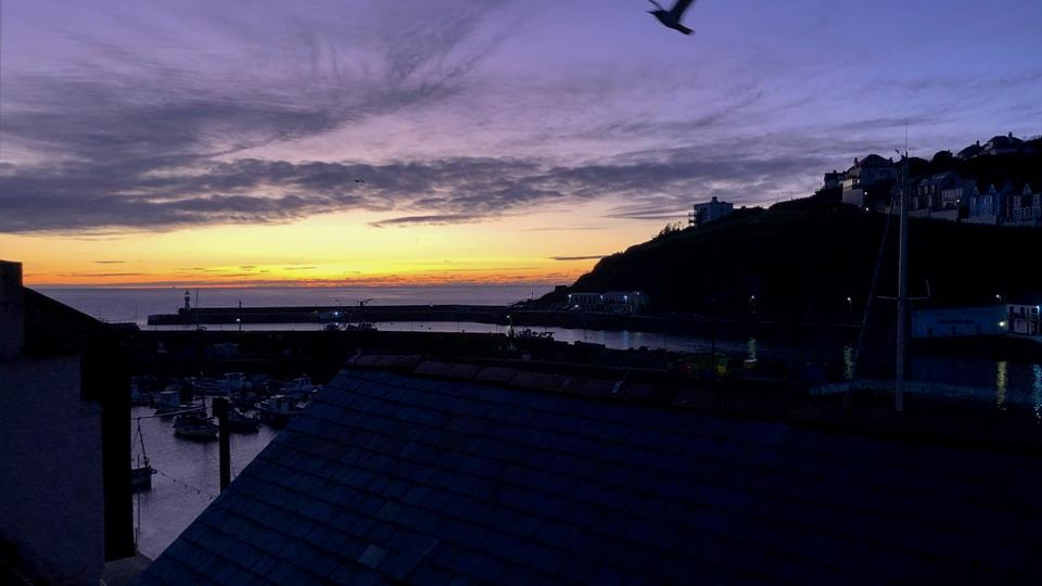 How beautiful is the sunrise over Mevagissey from Tern Cottage?