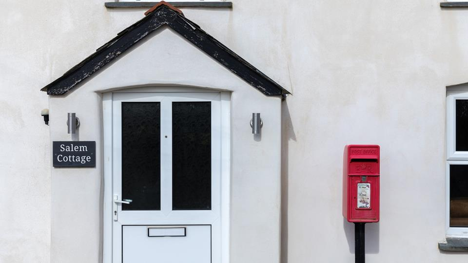 Salem Cottage has a distinctive Post Office letterbox which stands proud adjacent to the entrance porch.
