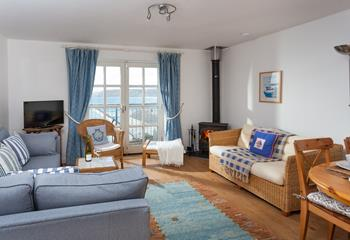 Herring Gull, Sleeps 6 + cot, Sennen.