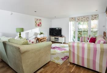 Honeysuckle Cottage, Polgooth, Sleeps 6 + cot, Mid Cornwall.