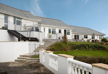 Close to the beach, Garden Studio is ideal for couples seeking a coastal holiday.