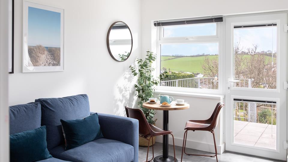 A bright and airy bolthole for two, Sapphire View is perfectly placed for exploring Mevagissey and the surrounding area.