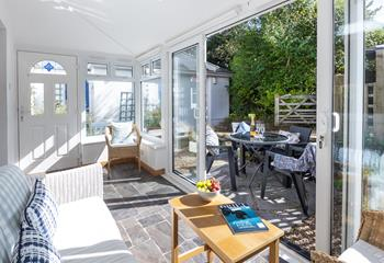 Oyston Park Cottage, Sleeps 4 + 2 cots, Bude.