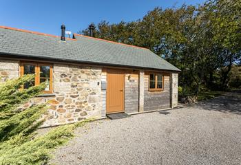 The Carthouse, Sleeps 2, Coverack.
