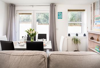 Sandy Feet Retreat, Sleeps 6 + cot, Newquay.