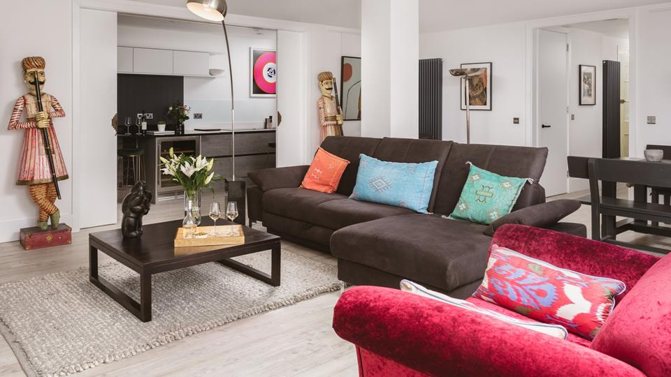 Make yourself at home in this spacious open plan ground floor chapel conversion.