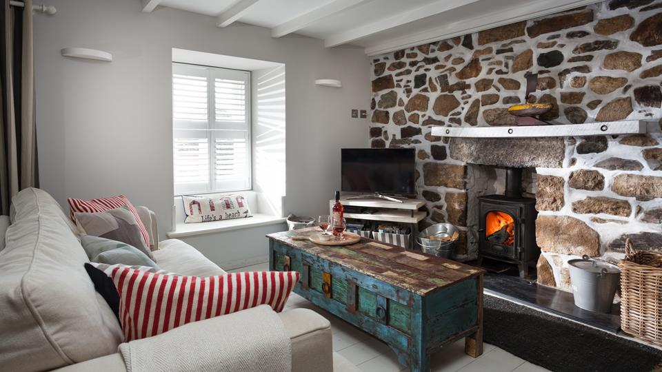 Mixing modern comfort with rustic charm, Mill Leat is the ultimate snug hideaway whatever the season!