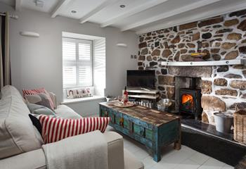 Mill Leat, Sleeps 4 + cot, Mousehole.