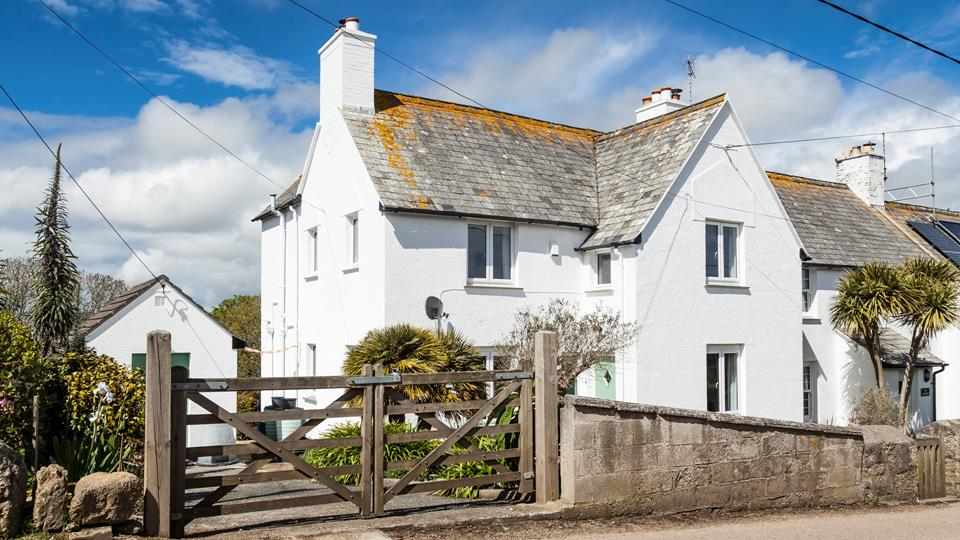 Arrive at the beautiful 1 Coastguard Cottages and let your holiday begin...