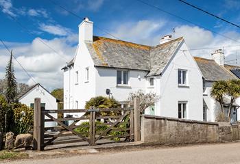 1 Coastguard Cottages, Sleeps 6 + cot, Treen.
