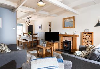 Lamorna Cottage, Sleeps 5 + cot, Downalong.