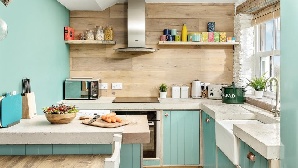 Enjoy cooking in this lovely kitchen or preparing foods for the BBQ.