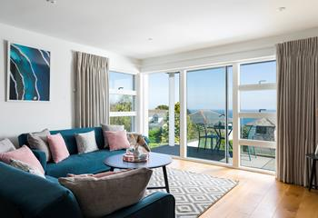 Lighthouse View, Salt Apartments, Sleeps 4 + cot, Porthminster.