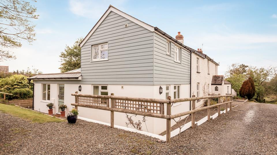 Little Causewell has two routes of access, for those with mobility issues there is a flat path accessed from the main farmhouse aspect, or you can approach the entrance through the garden and down the steps to the stable entrance door.