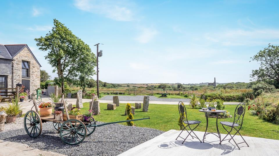 Relax and unwind whilst admiring the impressive Engine House of Medlyn Moor Mine and the beautiful Cornish Countryside.