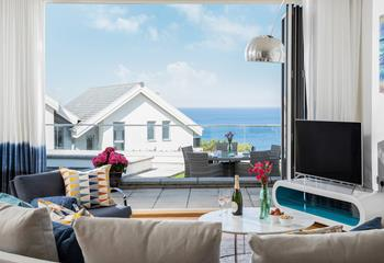 Blue Coral, Sleeps 6 + 2 cots, St Ives.